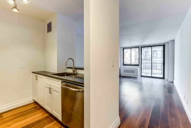 Studio, Yorkville Rental in NYC for $2,646 - Photo 2