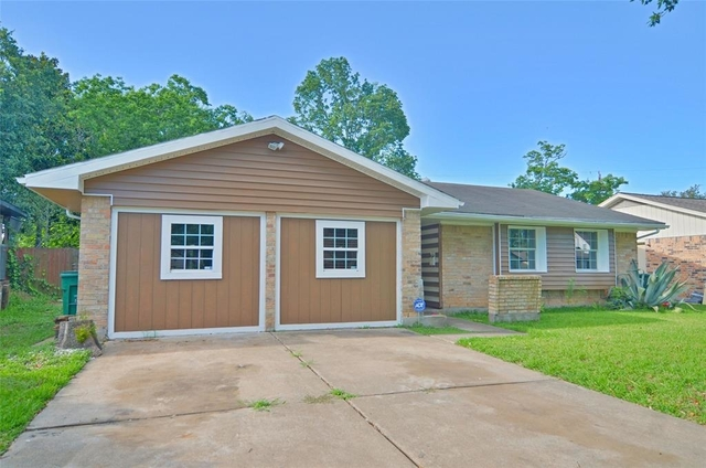 5 Bedrooms, Southeast Harris Rental in Houston for $1,600 - Photo 1