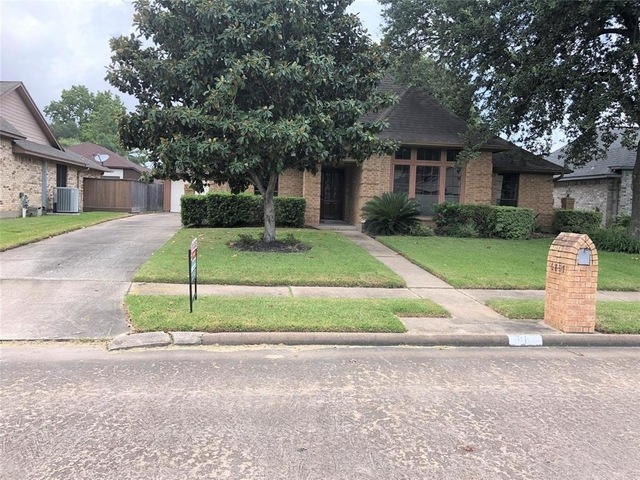 3 Bedrooms, Baywood Shadows Rental in Houston for $1,900 - Photo 1