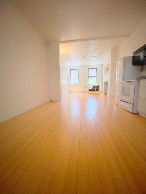 2 Bedrooms, Chinatown Rental in NYC for $2,700 - Photo 2