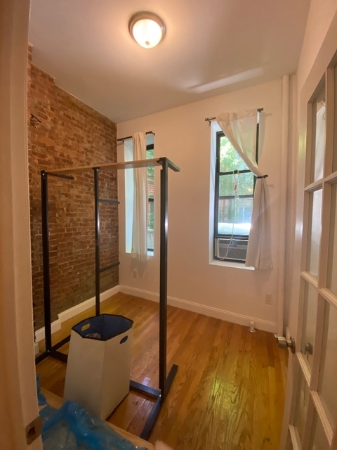 1 Bedroom, West Village Rental in NYC for $2,295 - Photo 2