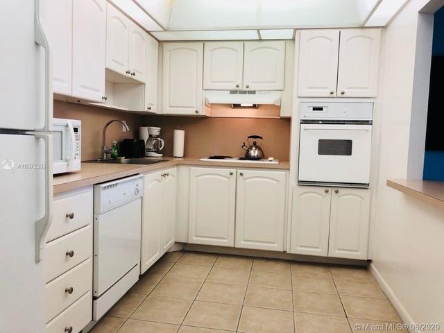 1 Bedroom, Golden Shores Ocean Boulevard Estates Rental in Miami, FL for $2,200 - Photo 2