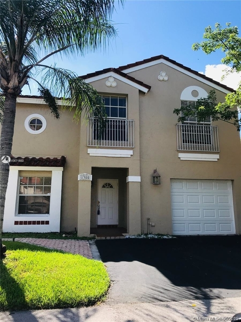 3 Bedrooms, Country Isles Garden Homes Rental in Miami, FL for $2,400 - Photo 1