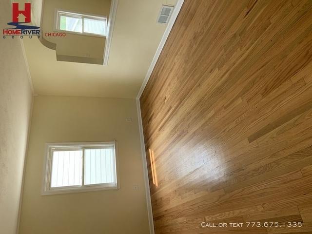 3 Bedrooms, Calumet Rental in Chicago, IL for $1,200 - Photo 2