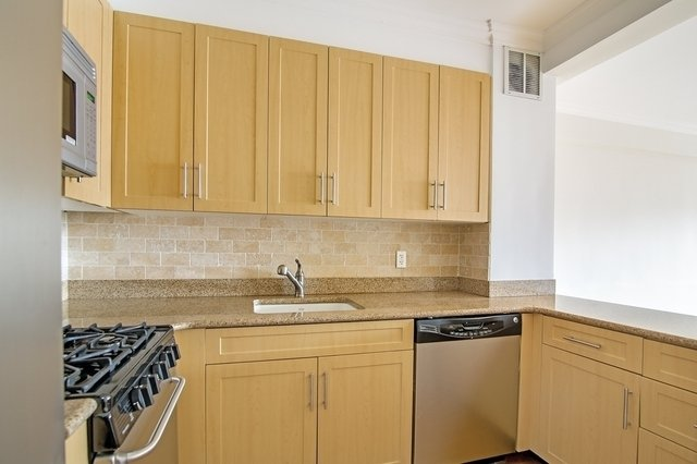 1 Bedroom, Murray Hill Rental in NYC for $4,121 - Photo 2
