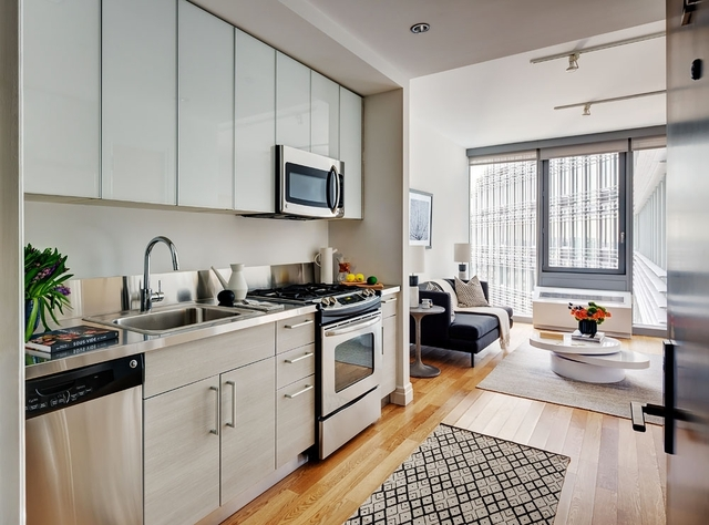 Studio, Hell's Kitchen Rental in NYC for $3,375 - Photo 1