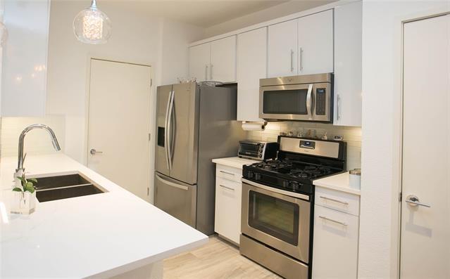 2 Bedrooms, Bella Casa Rental in Dallas for $1,995 - Photo 2