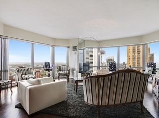 2 Bedrooms, Magnificent Mile Rental in Chicago, IL for $4,000 - Photo 2