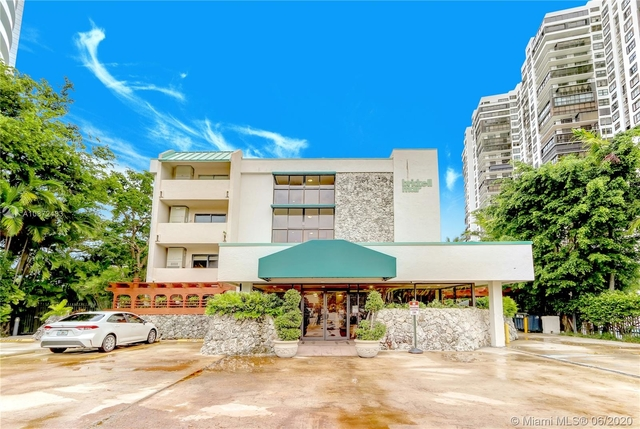 2 Bedrooms, Millionaire's Row Rental in Miami, FL for $1,949 - Photo 2