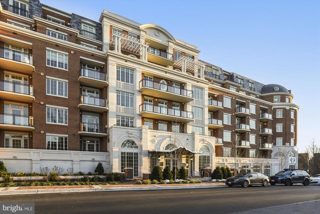 2 Bedrooms, McLean Rental in Washington, DC for $6,750 - Photo 1