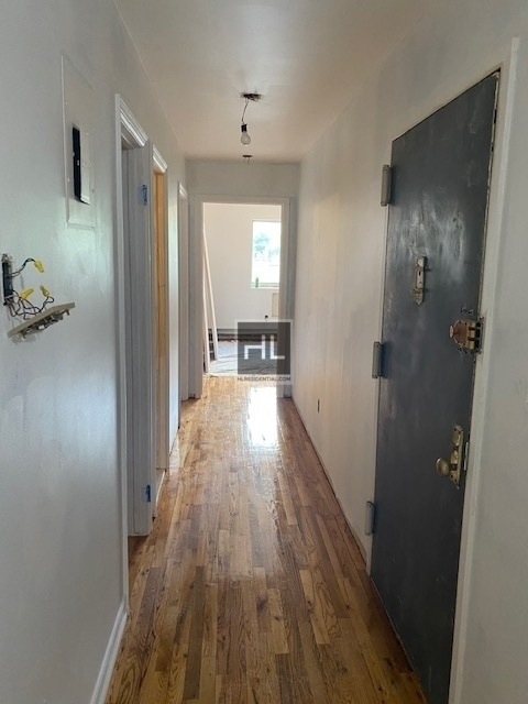 3 Bedrooms, Astoria Rental in NYC for $4,000 - Photo 2