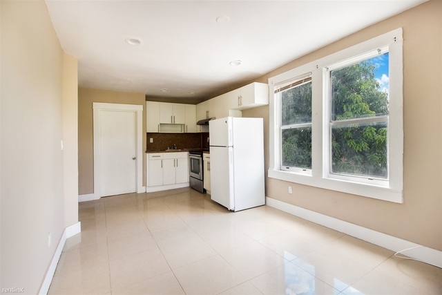 2 Bedrooms, Riverview Rental in Miami, FL for $1,400 - Photo 2
