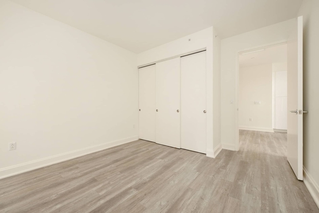 Studio, Financial District Rental in NYC for $2,135 - Photo 2