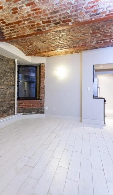 2 Bedrooms, Gramercy Park Rental in NYC for $4,195 - Photo 2