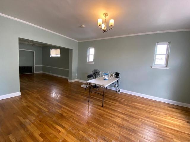 3 Bedrooms, Kew Gardens Hills Rental in NYC for $3,000 - Photo 1