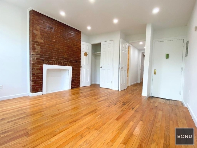 2 Bedrooms, East Village Rental in NYC for $3,662 - Photo 2