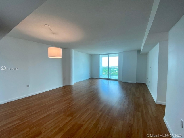2 Bedrooms, Millionaire's Row Rental in Miami, FL for $3,050 - Photo 2