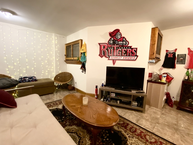 3 Bedrooms, Hell's Kitchen Rental in NYC for $3,750 - Photo 2