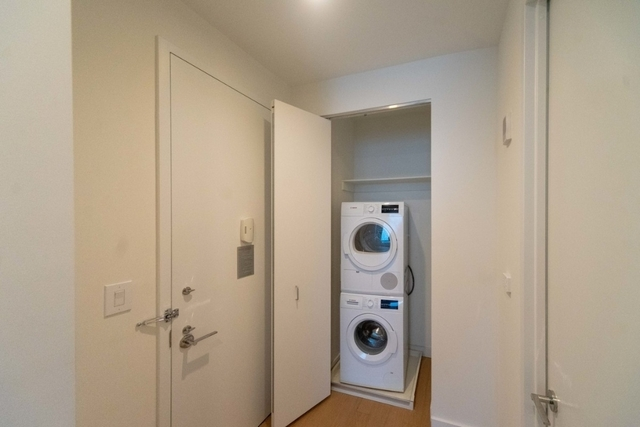 Studio, Financial District Rental in NYC for $2,162 - Photo 2