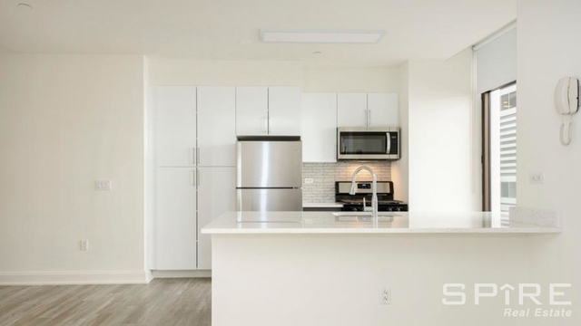 2 Bedrooms, Financial District Rental in NYC for $5,646 - Photo 2