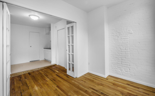 2 Bedrooms, West Village Rental in NYC for $2,895 - Photo 2