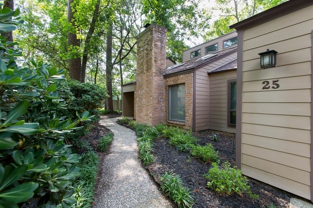 3 Bedrooms, Grogan's Mill Rental in Houston for $2,250 - Photo 1