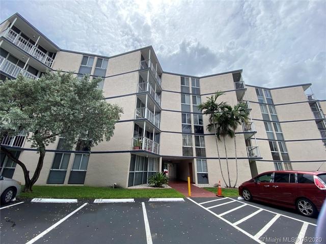2 Bedrooms, Fairgreen Villas Rental in Miami, FL for $1,525 - Photo 1