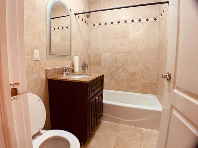 3 Bedrooms, Astoria Rental in NYC for $3,200 - Photo 2