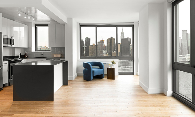2 Bedrooms, Hunters Point Rental in NYC for $4,262 - Photo 1