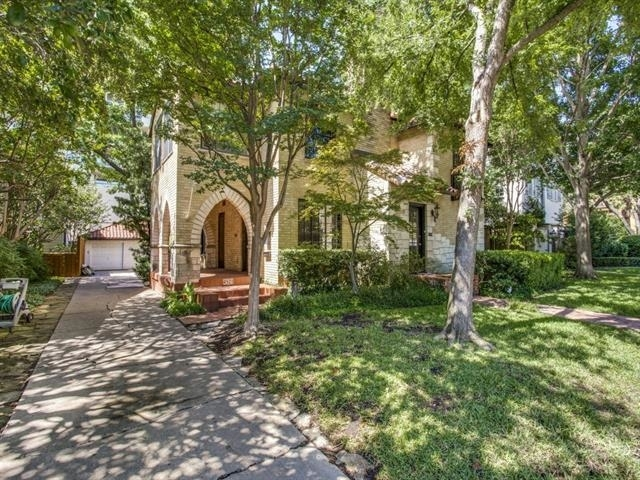 3 Bedrooms, Highland Park Rental in Dallas for $3,200 - Photo 2