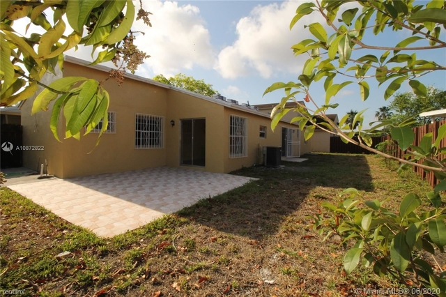 3 Bedrooms, Country Lake Homes East Rental in Miami, FL for $2,300 - Photo 2