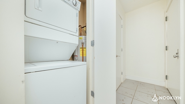 3 Bedrooms, East Williamsburg Rental in NYC for $4,350 - Photo 2