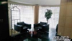 2 Bedrooms, Great Neck Plaza Rental in Long Island, NY for $3,550 - Photo 2