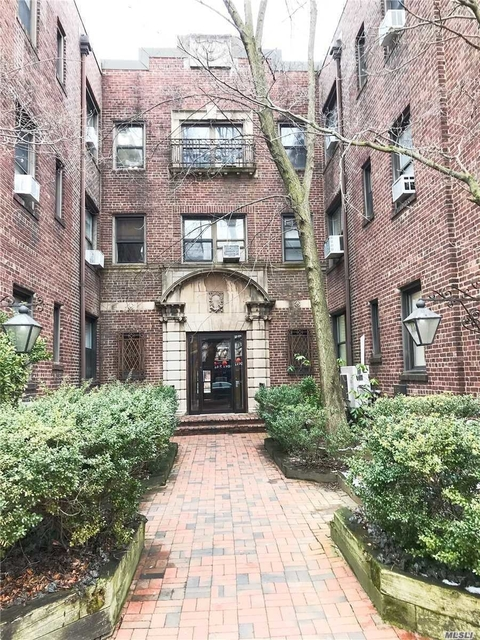 1 Bedroom, Great Neck Plaza Rental in Long Island, NY for $2,400 - Photo 1