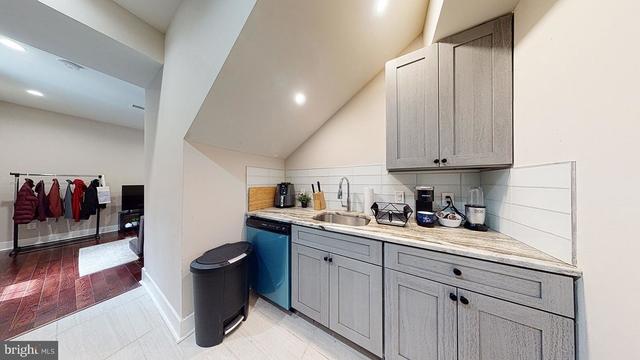 2 Bedrooms, Spruce Hill Rental in Philadelphia, PA for $1,295 - Photo 1