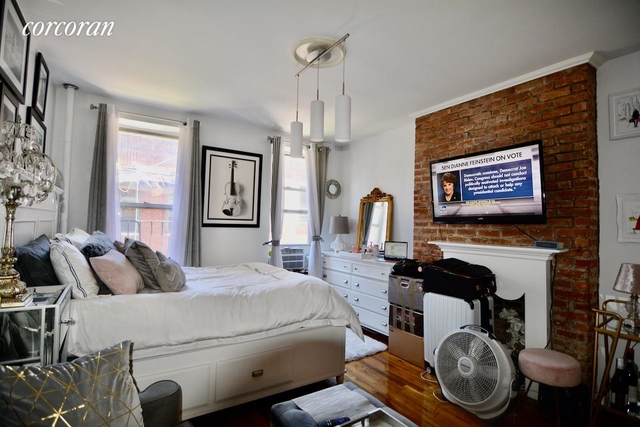 Studio, Hell's Kitchen Rental in NYC for $1,900 - Photo 2