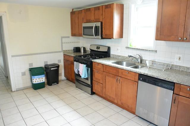 3 Bedrooms, Oak Square Rental in Boston, MA for $2,300 - Photo 2