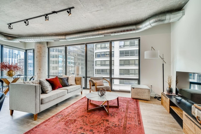2 Bedrooms, Gold Coast Rental in Chicago, IL for $3,950 - Photo 1