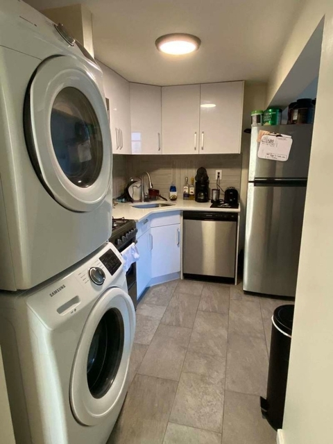 3 Bedrooms, Roseland Rental in Chicago, IL for $2,650 - Photo 2