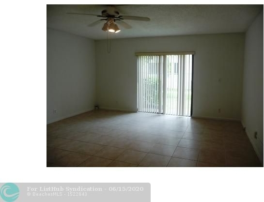 2 Bedrooms, Country Club Rental in Miami, FL for $1,400 - Photo 2