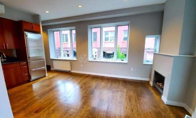3 Bedrooms, West Village Rental in NYC for $8,990 - Photo 2