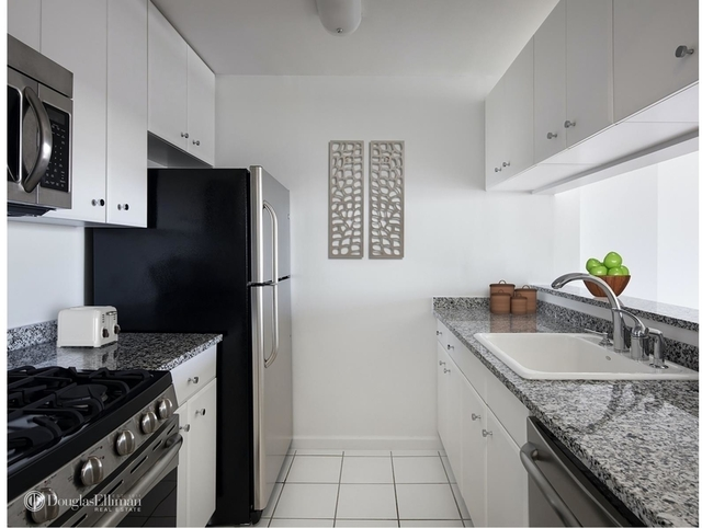 2 Bedrooms, Battery Park City Rental in NYC for $6,695 - Photo 1