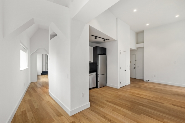 3 Bedrooms, Financial District Rental in NYC for $5,000 - Photo 2