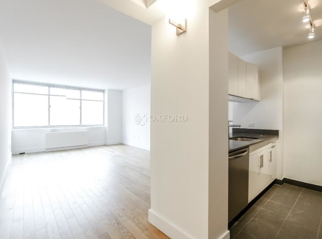 2 Bedrooms, Chelsea Rental in NYC for $6,500 - Photo 2