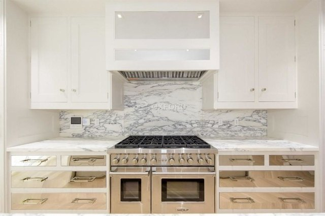 5 Bedrooms, East Village Rental in NYC for $32,000 - Photo 2