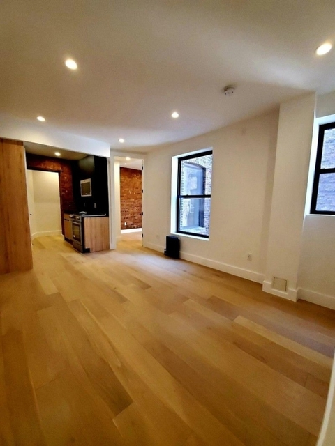 3 Bedrooms, Rose Hill Rental in NYC for $5,133 - Photo 2