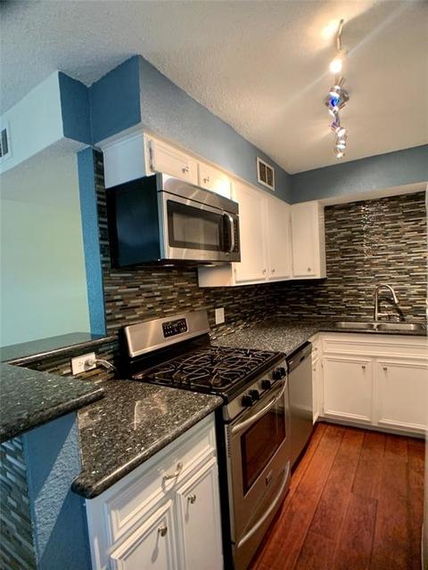 2 Bedrooms, Westmoreland Rental in Houston for $1,450 - Photo 2
