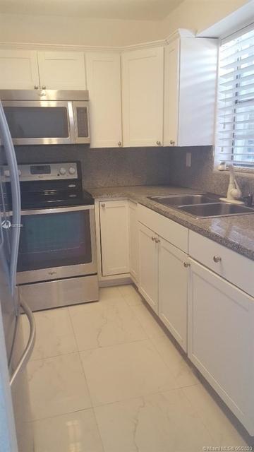 1 Bedroom, Lenox Manor Rental in Miami, FL for $1,600 - Photo 2