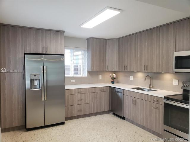 2 Bedrooms, Woodside Rental in Miami, FL for $2,000 - Photo 2