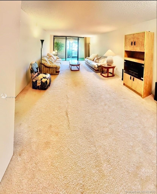 1 Bedroom, Country Club Apartments at Bonaventure Rental in Miami, FL for $1,400 - Photo 2